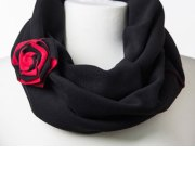Wrapped In Love Reversible black / paprika scarf