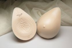 Style Nearly Me 875 -  Nearly Me Basic Extra Lightweight Tapered Oval Breast Form
